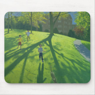 Enfants courant en parc Derby 2002 Tapis De Souris