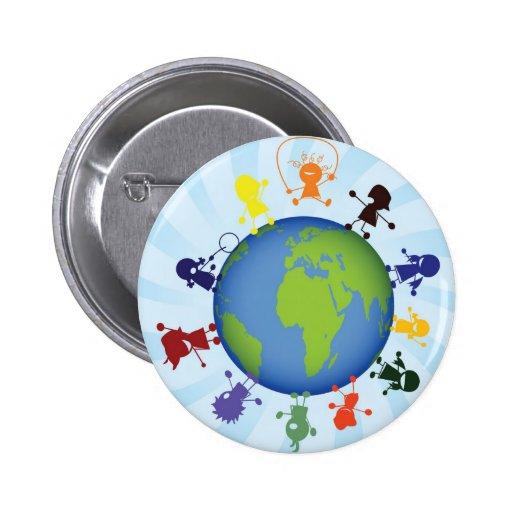 Enfants dans le monde entier pin's avec agrafe