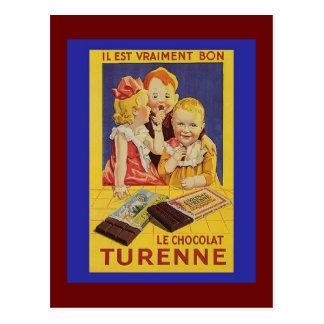 Enfants et barre de chocolat français mignons carte postale