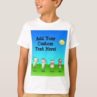 Enfants jouant dehors sur un T-shirt de jour