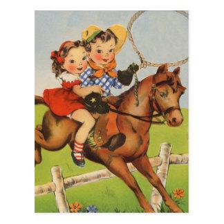 Enfants vintages montant un cheval jouant des carte postale