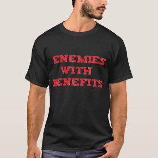 Ennemis avec le T-shirt noir d'avantages