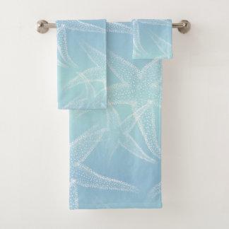 Ensemble bleu de serviette de plage d'Aqua