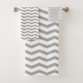 Ensemble gris de serviette de salle de bains de