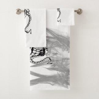 Ensemble mauvais de serviette de salle de bains de