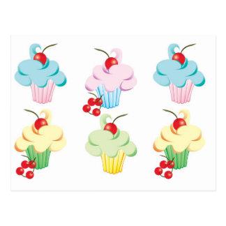 Ensemble mignon de petits gâteaux cartes postales