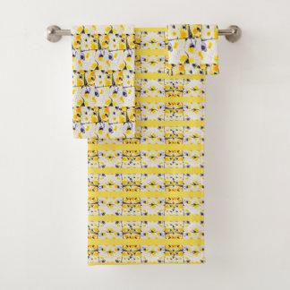 Ensemble noir et jaune de serviette d'impression