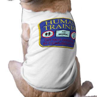 Entretenez l'humain t-shirt pour chien