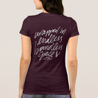 Enveloppé dans le T-shirt illimité sans fin de