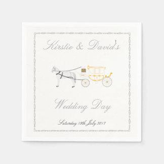 Épouser la serviette de papier avec le cheval et serviette en papier