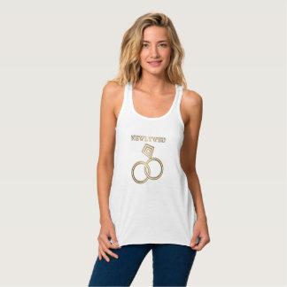 Épouser romantique d'anneaux d'or de nouveaux débardeur