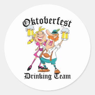 Équipe potable d'Oktoberfest Sticker Rond