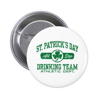 Équipe potable du jour de St Patrick Badges