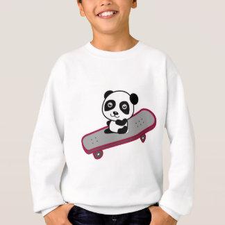 Équitation de panda sur la planche à roulettes sweatshirt