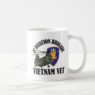 ęr BDE Vietnam CH-47 d'AVN Mug