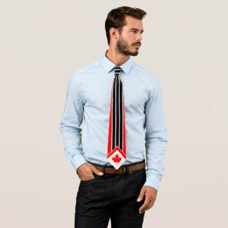 Érable canadien sur le filet blanc noir rouge cravates