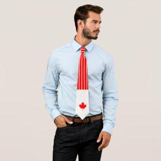 Érable canadien sur le filet rouge et blanc cravates