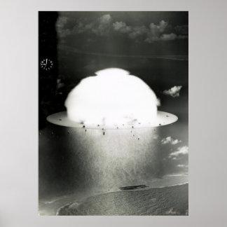 ESSAI 1946 DE BOMBE À HYDROGÈNE D'ATOLL DE BIKINI POSTER