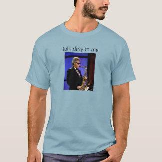 et facture sur le T-shirt de saxo