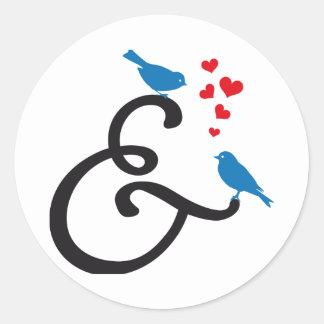 et, signe d'esperluète avec les oiseaux bleus et sticker rond