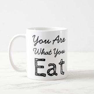 Êtes vous ce qui vous mangez la tasse de café