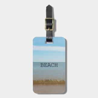 Étiquette À Bagage Beau bonheur de plage avec la vague douce