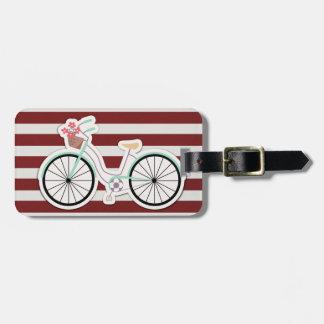 Étiquette À Bagage Bicyclette avec le panier des fleurs