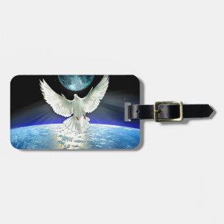 Étiquette À Bagage Colombe de paix au-dessus de la terre de planète
