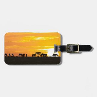Étiquette À Bagage Coucher du soleil dans Serengeti