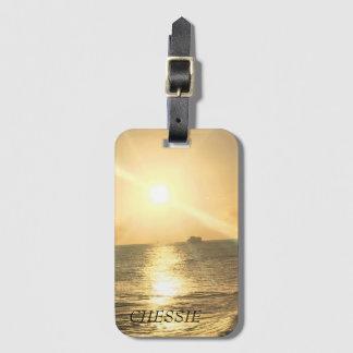 Étiquette À Bagage Coucher du soleil tropical avec de belles couleurs