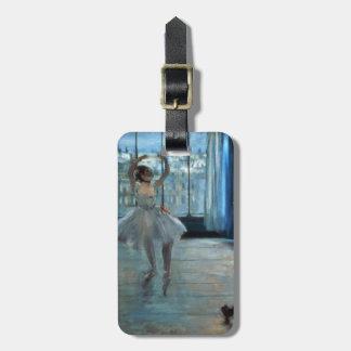 Étiquette À Bagage Danseur d'Edgar Degas | devant une fenêtre