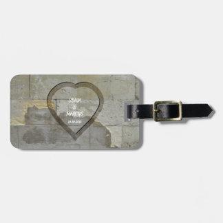 Étiquette À Bagage Date de mariage rustique de coeur de mur en pierre