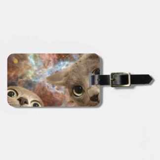 Étiquette À Bagage Deux chats gris dans l'espace avant une nébuleuse