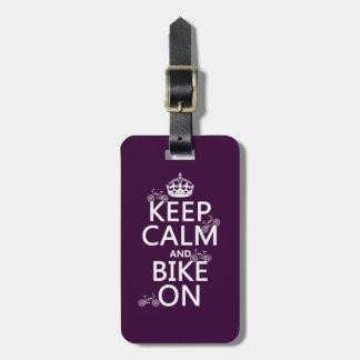 Étiquette À Bagage Gardez le calme et faites du vélo sur (la couleur