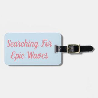 Étiquette À Bagage Recherche l'étiquette épique de bagage de vagues