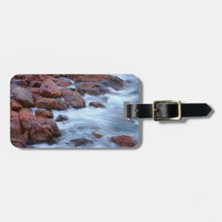 Étiquette À Bagage Rivage rocheux avec de l'eau, Canada