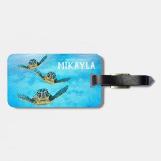 Étiquette À Bagage Trois tortues de mer de bébé nageant