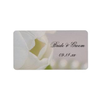 Étiquette blanche de faveur de mariage de tulipe