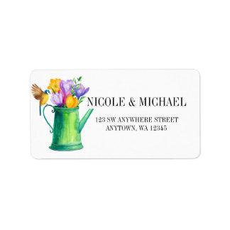 Étiquette Boîte d'arrosage chic avec des fleurs et le
