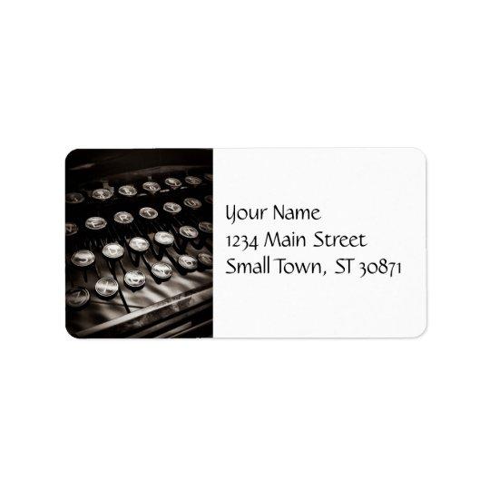 Étiquette Clés vintages de machine à écrire en noir et blanc