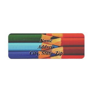 Étiquette de adresse de retour coloré de crayons
