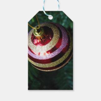 Étiquette de cadeau de babiole de Noël
