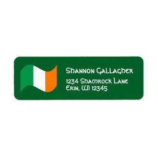 Étiquette Drapeau irlandais avec la police celtique