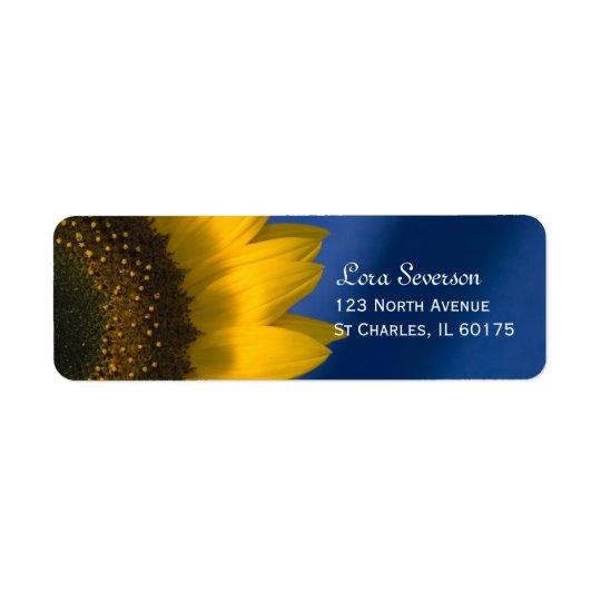 Étiquette Tournesol jaune sur l'adresse de retour bleue