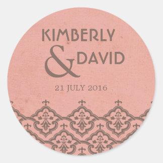 Étiquette vintage rose de mariage damassé sticker rond