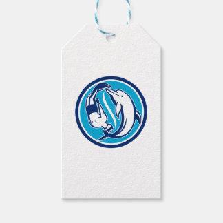 Étiquettes-cadeau Cercle libre de Yin Yang de plongeur et de dauphin