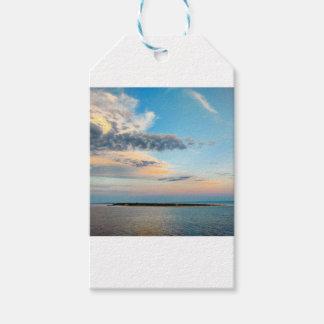 Étiquettes-cadeau Coucher du soleil au-dessus de l'île