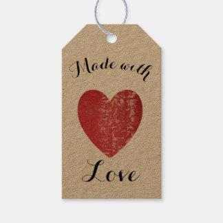 Étiquettes-cadeau Fait avec le rouge cramoisi de timbre de coeur