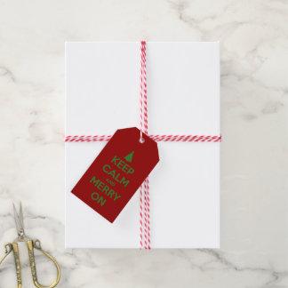 Étiquettes-cadeau Gardez le calme et joyeux sur le rouge et le vert