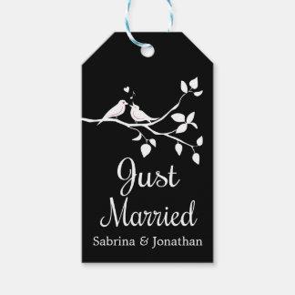 Étiquettes-cadeau Juste épouser marié noir et blanc de perruches